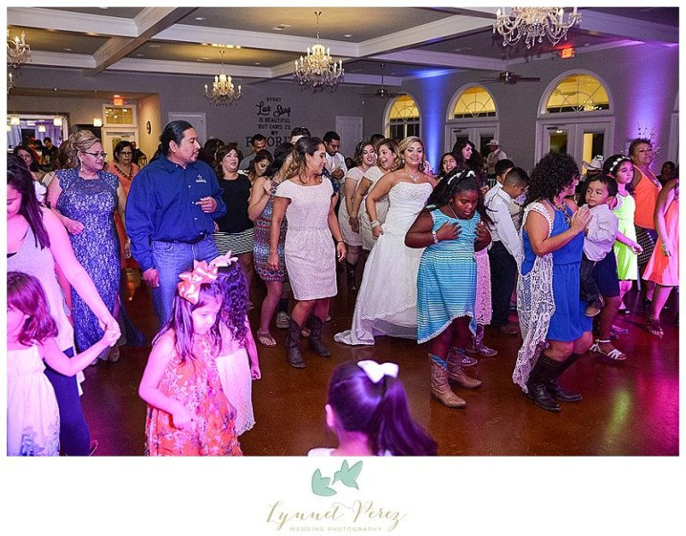 dallas-country-theme-wedding-photography-at-willow-creek-wedding-and-event-venue_0057.jpg