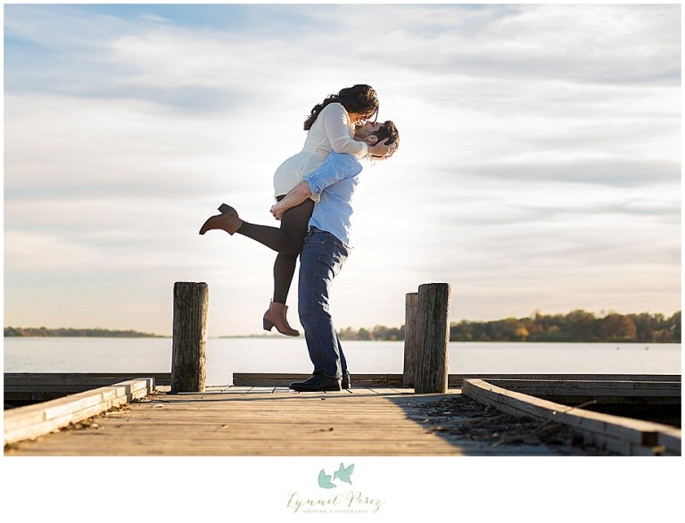 dallas-Fort-worth-wedding-photographer-engagement-sunset-photos-on-deck