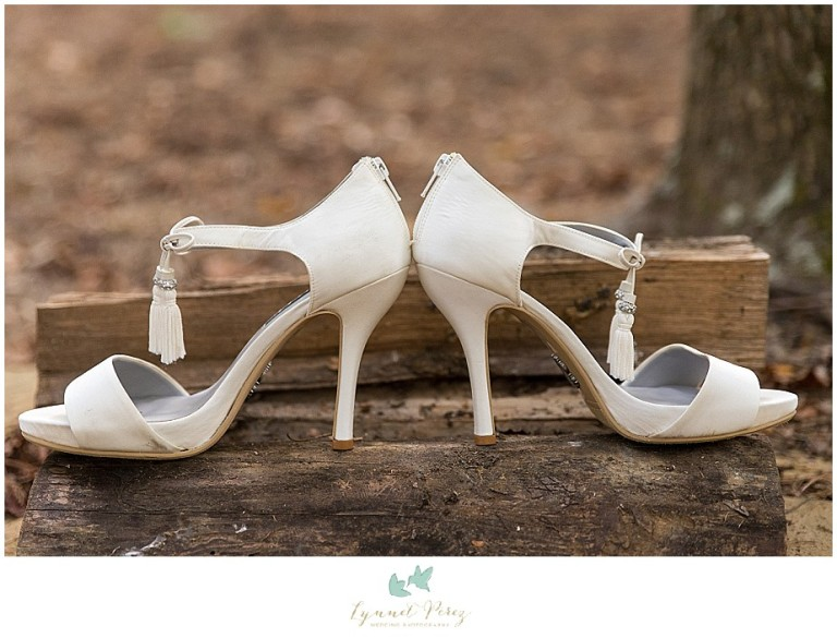 fort-worth-wedding-photographer-bride-shoes