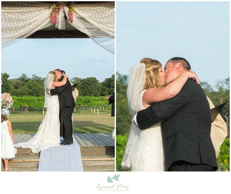 fort-worth-wedding-photographer-los-pinos-ranch-outdoor-ceremony-kiss