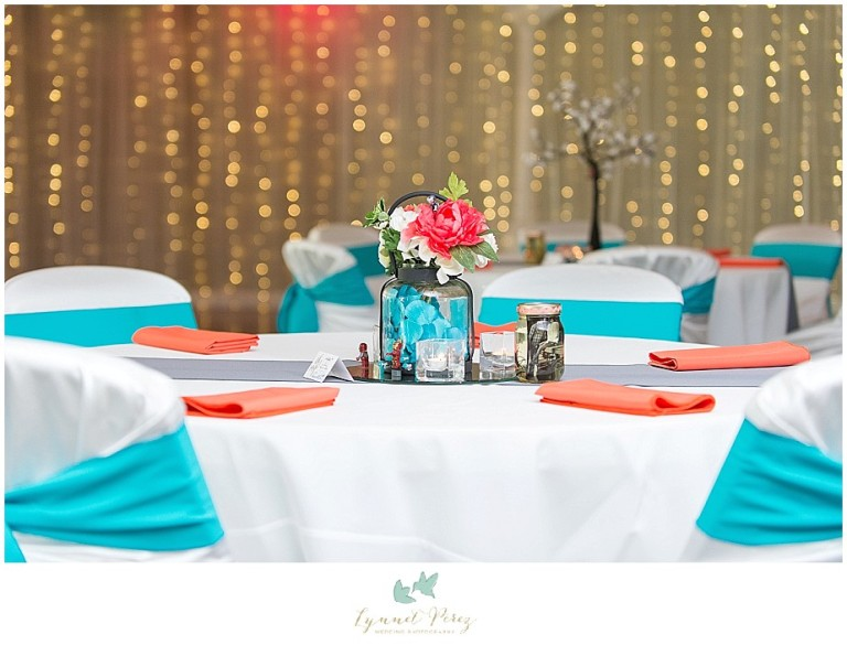 Dallas-wedding-photography-at-A-and-M-Gardens-in-Azle-TX-0044.jpg