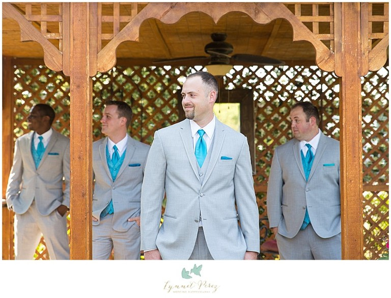 Dallas-wedding-photography-at-A-and-M-Gardens-in-Azle-TX-0079.jpg