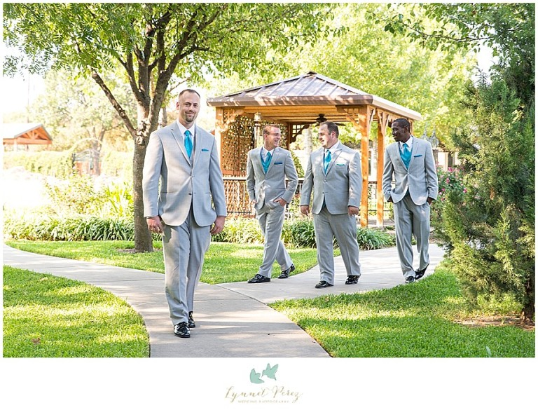 Dallas-wedding-photography-at-A-and-M-Gardens-in-Azle-TX-0082.jpg
