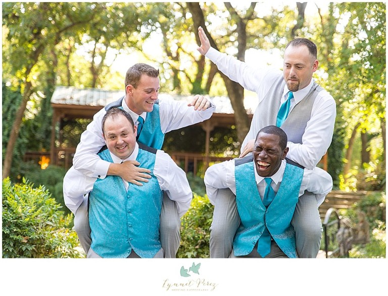Dallas-wedding-photography-at-A-and-M-Gardens-in-Azle-TX-0105.jpg