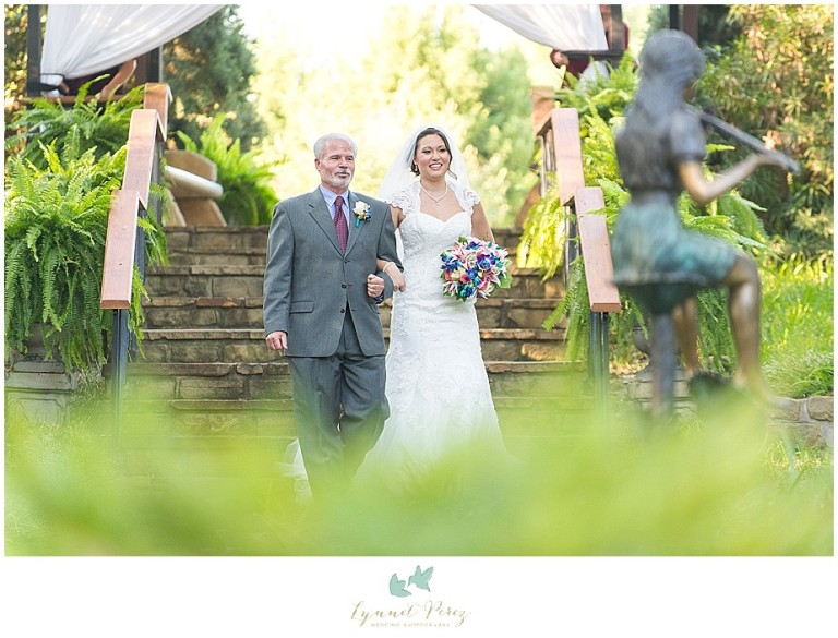 Dallas-wedding-photography-at-A-and-M-Gardens-in-Azle-TX-0235.jpg