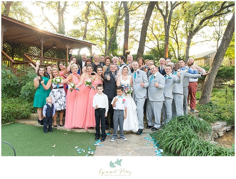 Dallas-wedding-photography-at-A-and-M-Gardens-in-Azle-TX-0327.jpg