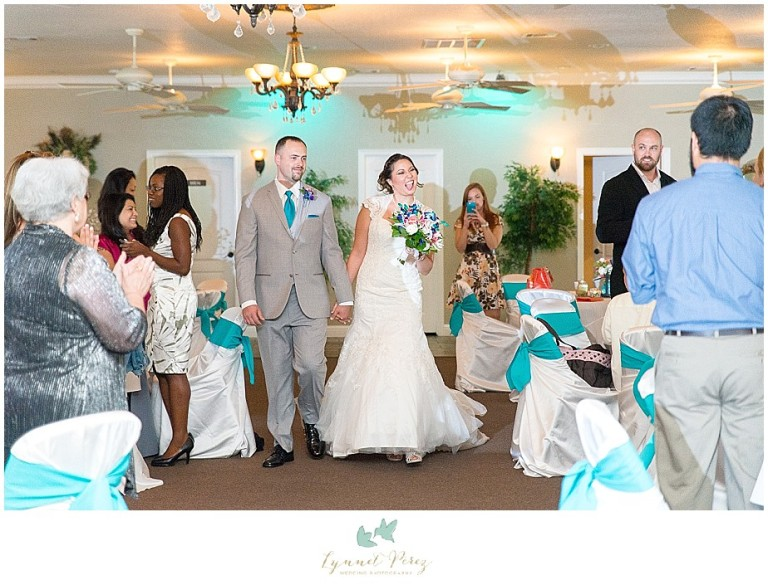 Dallas-wedding-photography-at-A-and-M-Gardens-in-Azle-TX-0386.jpg