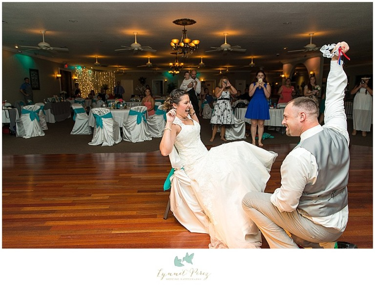 Dallas-wedding-photography-at-A-and-M-Gardens-in-Azle-TX-0710.jpg