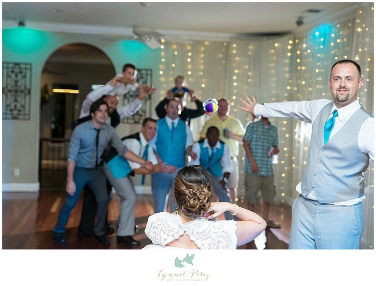Dallas-wedding-photography-at-A-and-M-Gardens-in-Azle-TX-0717.jpg