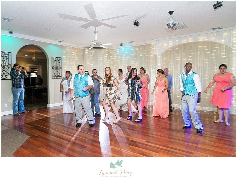 Dallas-wedding-photography-at-A-and-M-Gardens-in-Azle-TX-0723.jpg
