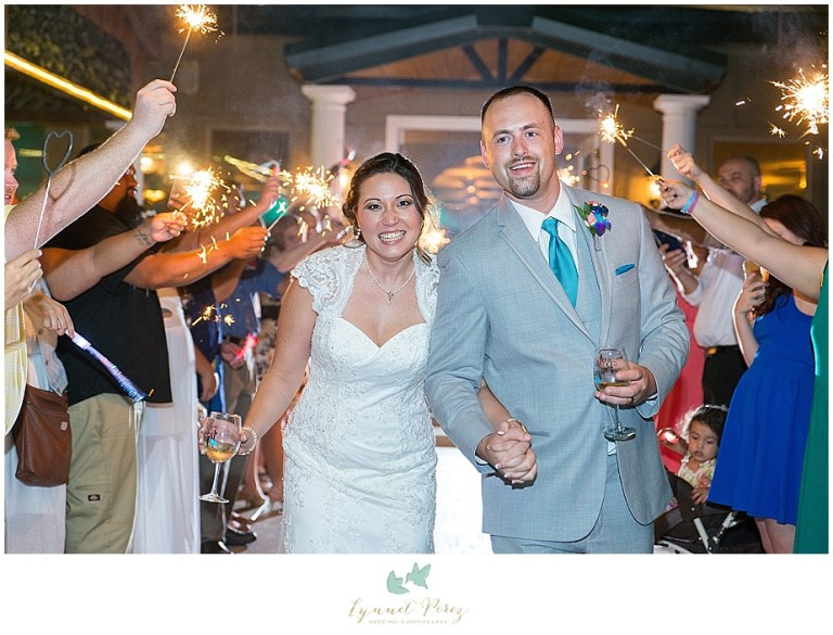 Dallas-wedding-photography-at-A-and-M-Gardens-in-Azle-TX-0794.jpg