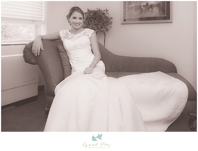 bridal-photos-at-kessler-park-united-methodist-church-wedding