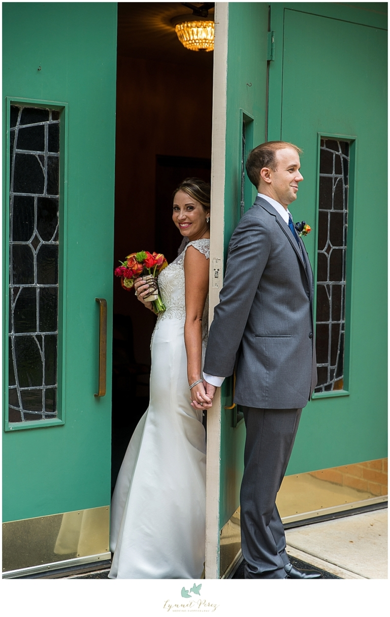 first-look-with-bride-groom-at-kessler-park-united-methodist-church
