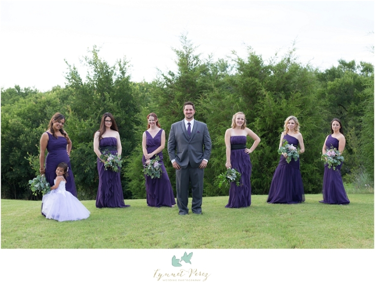 groom-and-bridesmaids-photo-ideas