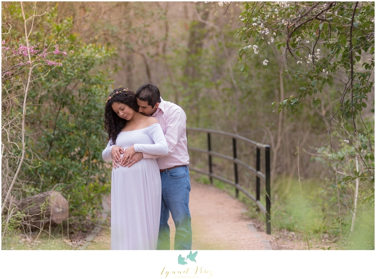 maternity-session-at-prairie-creek-park-dallas-photographer-0101