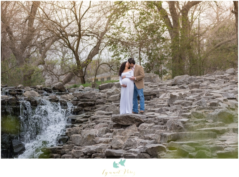 maternity-session-at-prairie-creek-park-dallas-photographer-0162