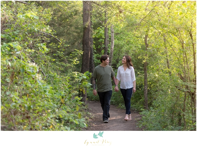 cedar-ridge-natural-perserve-engagement-session-0003